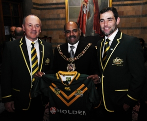 Australia Head Coach Tim Sheens and Captain Cameron Smith with Manchester Lord Mayor Naeem ul Hassan